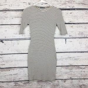 Soprano bodycon white and black stripes dress in S